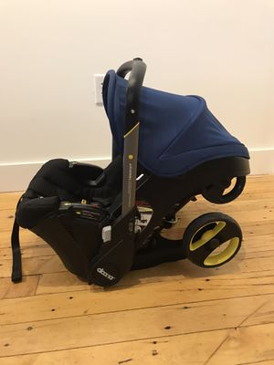 Doone infant car seat stroller in navy blue for Sale in Lexington, NC