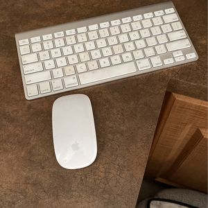 MAC Wireless Keyboard And Mouse for Sale in Las Vegas, NV
