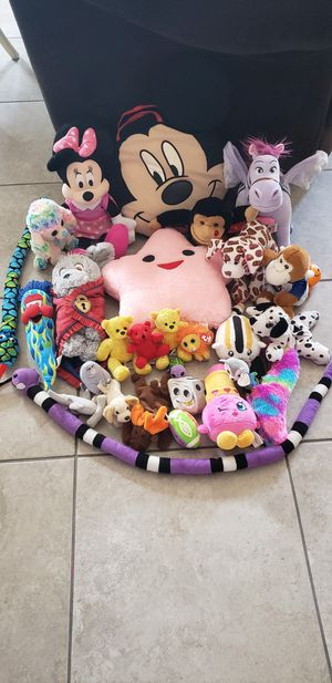 Mixed Variety of stuffed animals for Sale in Henderson, NV