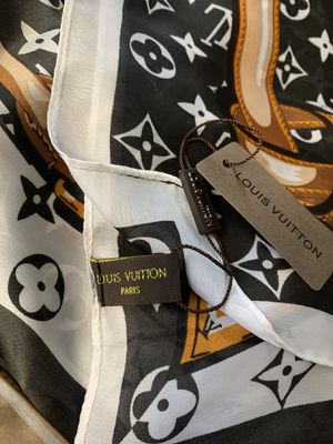 New silky scarf black and white with tags for Sale in Federal Way, WA