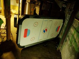 SPORTCRAFT ELECTRIC AIR HOCKEY TABLE FOR ADULTS. WITHOUT LEGS. for Sale in Valley Center, KS