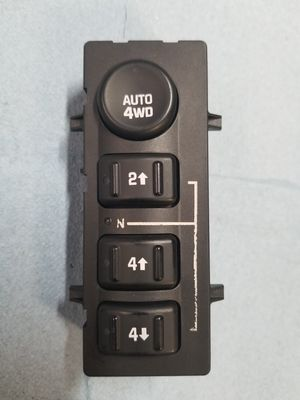 GM OEM 99 - 06 Chevy GMC 4x4 4wd Selector Switch in Great Condition! for Sale in Gonzales, LA