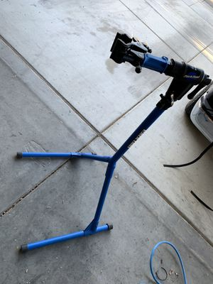 Park Tools PCS-4-Repair Stand with 100-5D micro clamp for Sale in North Las Vegas, NV