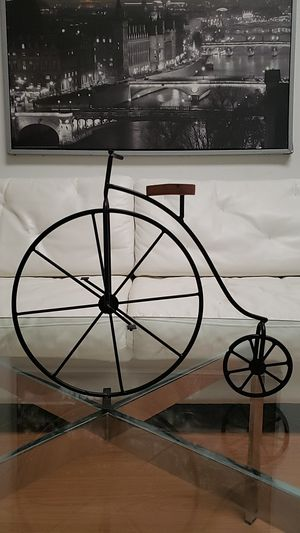 Decor art sculpture bicycle table top shelf display metal wood seat retro House Home Decoration for Sale in Pinellas Park, FL