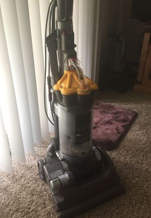 Dyson DC 33 for Sale in Oregon City, OR