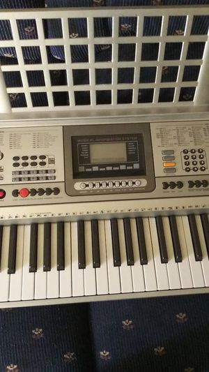 Keyboard / teclado musical for Sale in Grand Prairie, TX