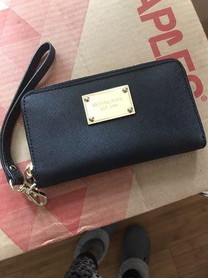 Michael Kors wallet for Sale in San Francisco, CA