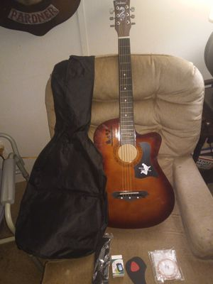 Acoustic guitar for Sale in Kissimmee, FL