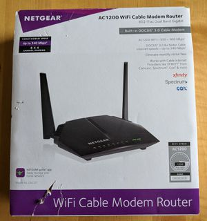 NETGEAR - Dual-Band AC1200 Router with 8 x 4 DOCSIS 3.0 Cable Modem - Black for Sale in Denver, CO