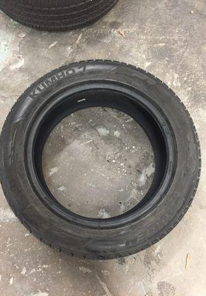 Tire 225/55/18 usadad es solo una for Sale in Silver Spring, MD