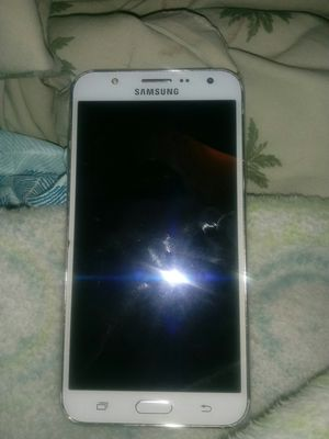 Samsung phone with metro pcs but can be unlocked to any carrier good condition for Sale in Tampa, FL