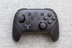 Nintendo switch Wireless controller(trade for any games) for Sale in Pelham, NH