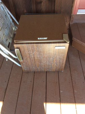 Refrigerator brown for outdoors or cabin. for Sale in Quincy, IL