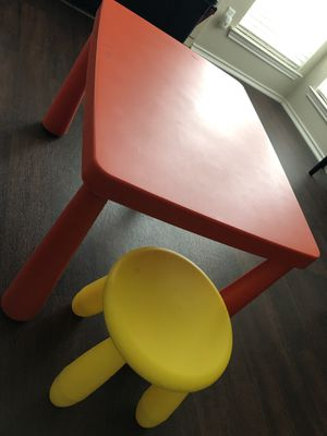 IKEA KIDS TABLE AND ONE CHAIR SET IN EXCELLENT CONDITION for Sale in Dallas, TX
