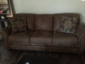Couch for Sale in Sacramento, CA