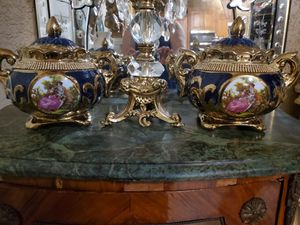Beautiful pair of small vases/urns for Sale in Cape Coral, FL