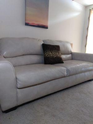 Off White Plush faux leather love seat for Sale in Des Plaines, IL