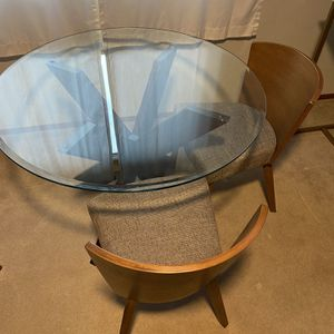 Glass Top Table With 4 Chairs for Sale in Tacoma, WA
