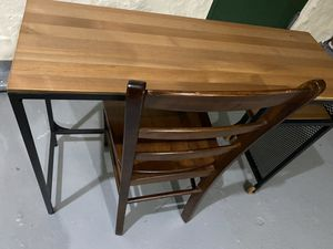 Small desk and wooden chair for Sale in Queens, NY