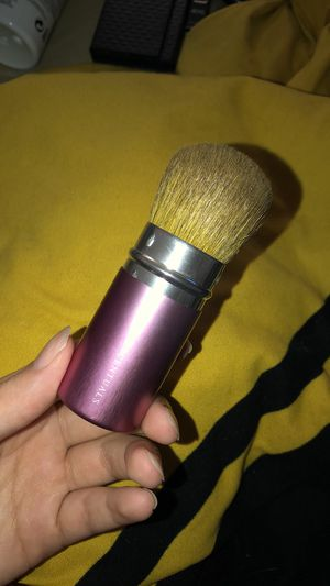 Pink Retractable Makeup Brush for Sale in Columbus, OH