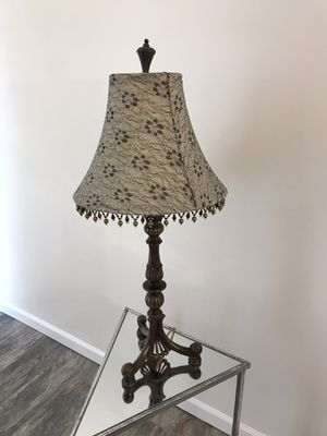 Fine Vintage Table Lamp for Sale in Worth, IL