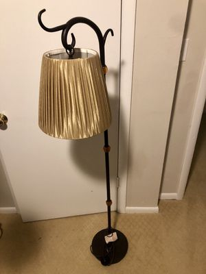 Floor lamp for Sale in La Habra, CA