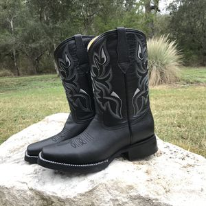 Rodeo Black Classic - Work Sole - 100% Leather! Roman Boots!! Delivery Service Included!!! for Sale in San Antonio, TX