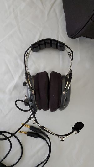 Pilot Headset with accessories for Sale in South Easton, MA