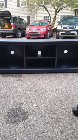 Tv stand for Sale in Hilliard, OH