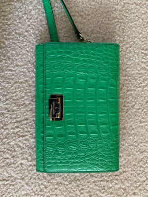Kate Spade body crossover purse for Sale in Arlington, VA