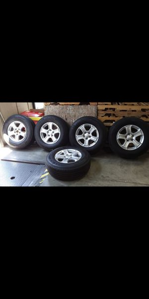 jeep wheels oem 17x7.5 offset 44 5x5 for Sale in Chino, CA