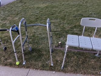 Free Walkers And Shower Chair for Sale in Pittsburgh,  PA