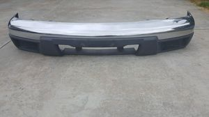 04-12 Chevy Colorado GMC Canyon OEM front bumper in excellent condition for Sale in Garden Grove, CA
