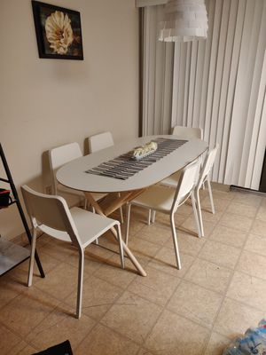 Dining table set 6 person new for Sale in Selma, CA