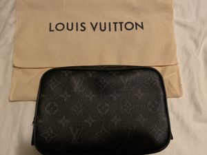 Louis Vuitton Toiletry Bag for Sale in Alameda, CA