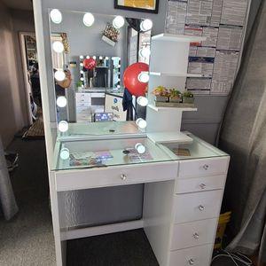 6 Drawer Vanity w/BT Mirror & Shelf for Sale in Los Angeles, CA