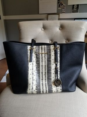Michael Kors totes bag for Sale in Port Orchard, WA