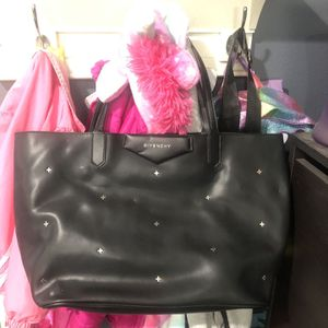 Givenchy Leather Tote Bag Large Shopper Black for Sale in Temple City, CA