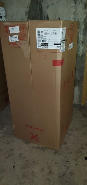 Electric water heater new for Sale in Bellevue, WA