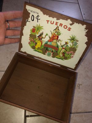 Cigar box for Sale in Vidor, TX