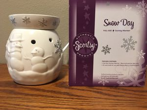 Scentsy-snow day warmer for Sale in Puyallup, WA