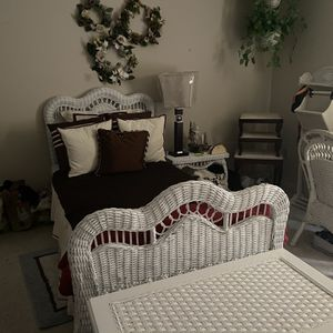 Twin Bedroom Set for Sale in O'Fallon, MO