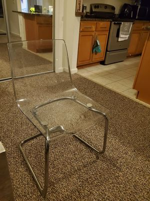 Dining chair (clear) for Sale in Orlando, FL