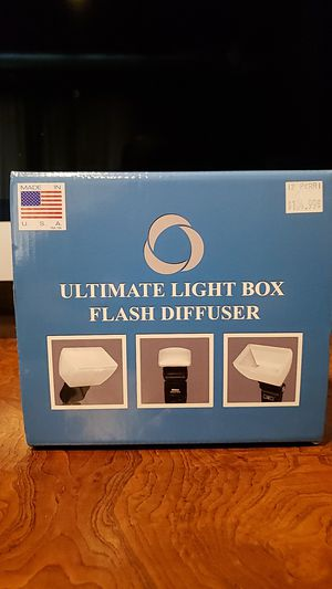 ultimate light box flash diffuser canon for Sale in Fresno, CA
