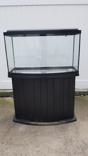 46 Gallon Bow Front Aquarium / Fish Tank for Sale in Queens, NY