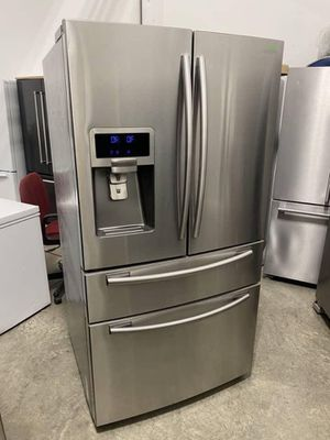 Clean Refrigerator for Sale in Redmond, WA