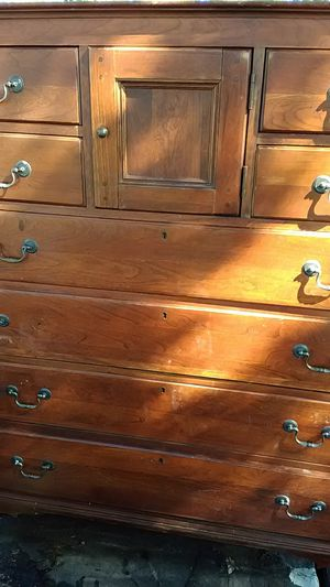 Lexington cherry wood dresser for Sale in Claremore, OK