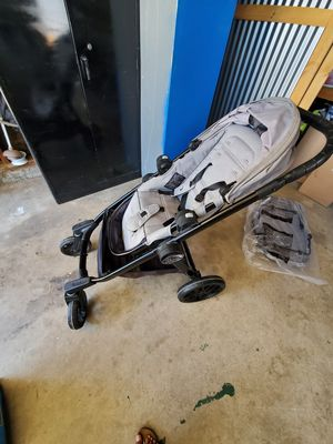 City select Lux edition double stroller by Baby Jogger for Sale in Lakewood, CA