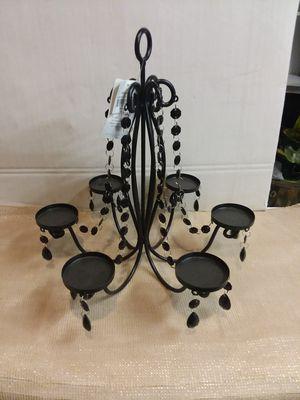 Candle esta Nuevo es de metal para sentro de su mesa for Sale in Fontana, CA