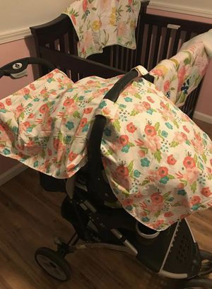 Stroller/car seat cover floral for Sale in Las Vegas, NV